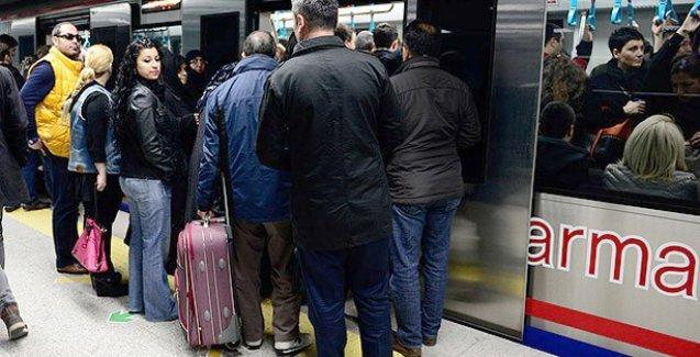 Marmaray'da arıza izdihama neden oldu