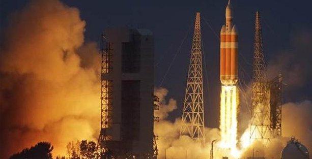Mars'a yolculuk için ilk adım: Uzay aracı Orion fırlatıldı