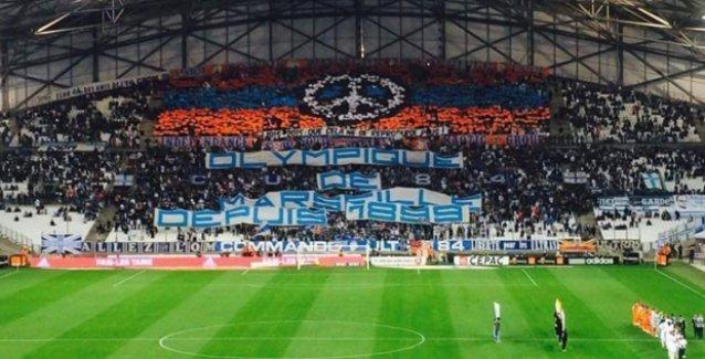 Marsilya taraftarından soykırım pankartı: '1915-2015: Bir Daha Olmasın'