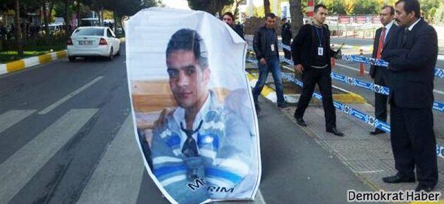 Medeni Yıldırım'ın annesi Erdoğan'ı protesto etti