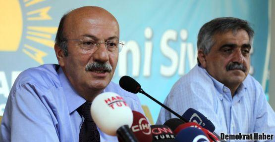 Mehmet Bekaroğlu: Arkadaşlar adeta 'ikna odaları'na alındı