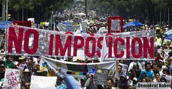Meksika sokaklarında seçim protestosu