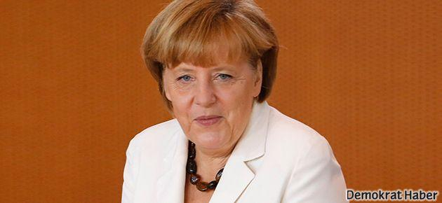 Merkel: Mursi serbest bırakılsın
