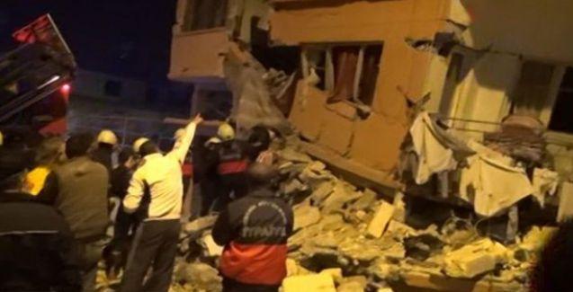 Mersin'de bina çöktü: Çok sayıda yaralı var