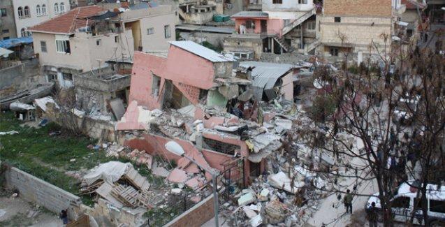 Mersin'de çöken binanın ruhsatı olmadığı ortaya çıktı