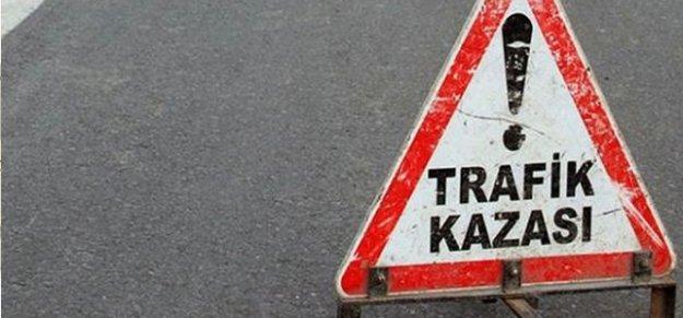 Mevsimlik işçileri taşıyan otobüs TIR'la çarpıştı: 5 ölü