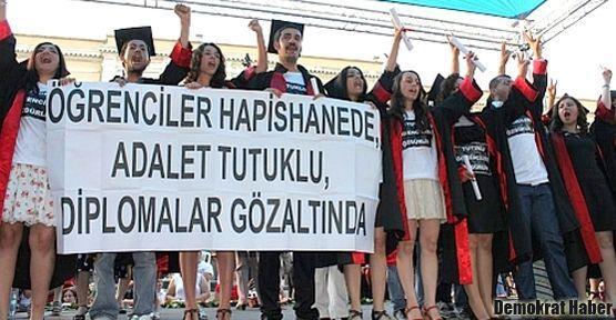 Mezuniyet eylemleri sürüyor: Adalet Tutuklu, Diplomalar Gözaltında!