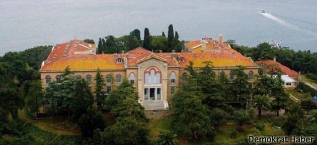 MHP seçmeninin yarısı 'Ruhban Okulu açılsın' diyor