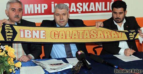 Milli Eğitim'den öğrencilere 'İbne Galatasaray' atkısı