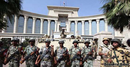 Mısır Anayasa Mahkemesi'nden protesto