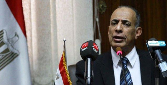 Mısır'da, 'Bir çöpçünün oğlu yargıç olamaz' diyen Adalet Bakanı istifa etti