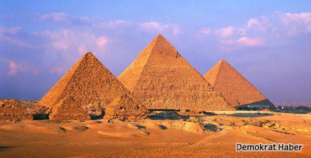 Mısır Piramitleri'nin gizemi çözüldü