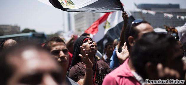 Mısır ve devrim/darbe tartışmasına dair