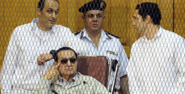 Mısır'da devrik lider Mübarek'in oğulları serbest bırakıldı