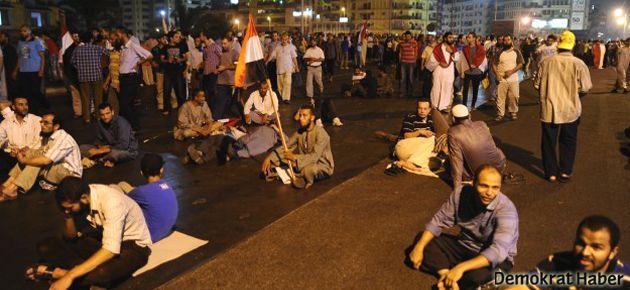 Mısır'da kiliseye silahlı saldırı