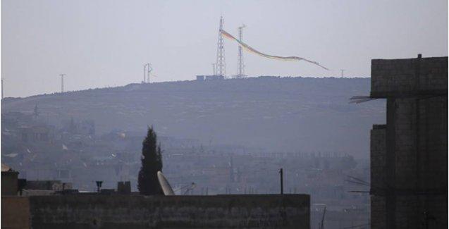 Miştenur Tepesi'nde dev bir sarı-kırmızı-yeşil bayrak dalgalanıyor