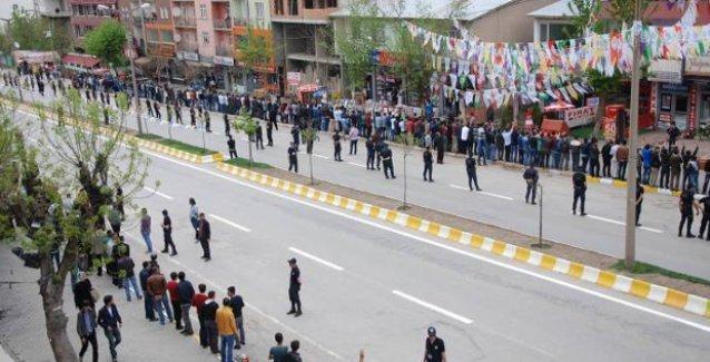 Muş da Davutoğlu'na sırtını döndü ve tek ağızdan bağırdı: 'Biji HDP!'
