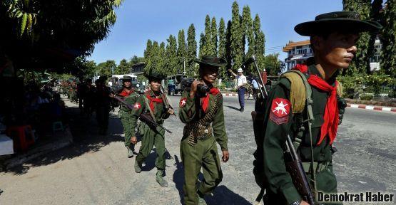 Myanmar da gerillalarla görüşecek