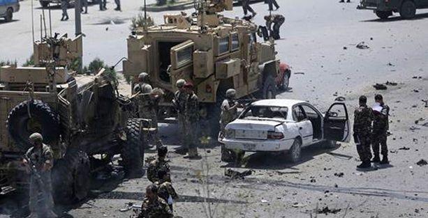 NATO konvoyuna saldırı: 5 ölü