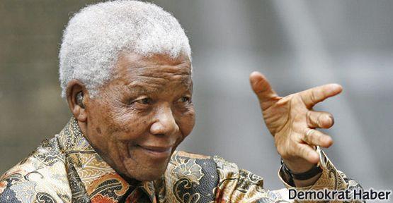 Nelson Mandela hastaneye kaldırıldı