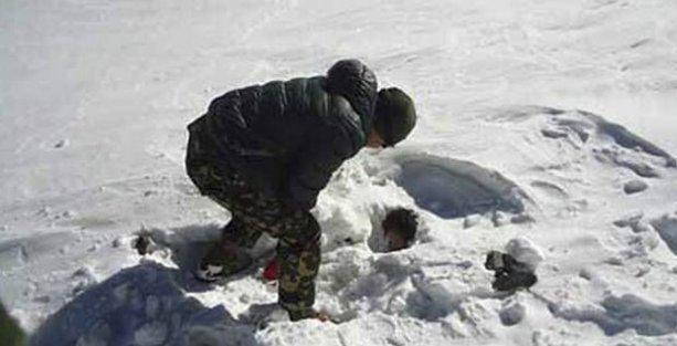Nepal'de çığ ve tipi: Ölü sayısı 38'e çıktı