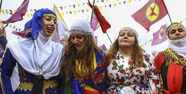 Diyarbakır'da Newroz yağmura rağmen coşkuyla kutlandı
