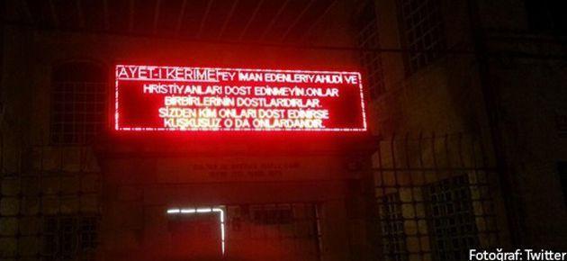 Noel'de Kadıköy'deki camiden skandal mesaj