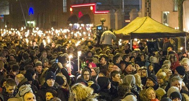 Norveç'te Müslümanlar sinagog etrafında etten duvar örecek