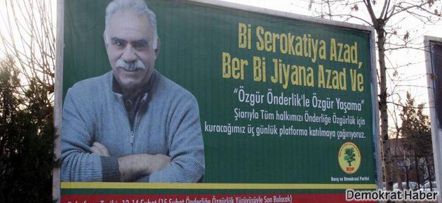 Öcalan posterleri bilboardlarda!