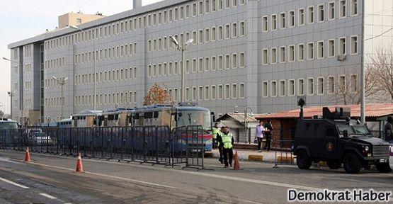 Öcalan'ın 4 avukatına tahliye