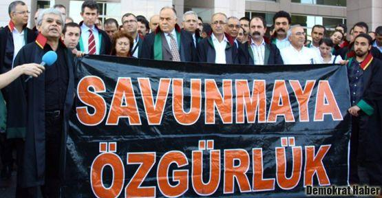 Öcalan'ın avukatları yargılanmaya başlandı
