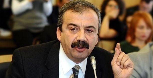 Sırrı Süreyya Önder'den Davutoğlu'na: Gayrı ciddi ve laubalisiniz!