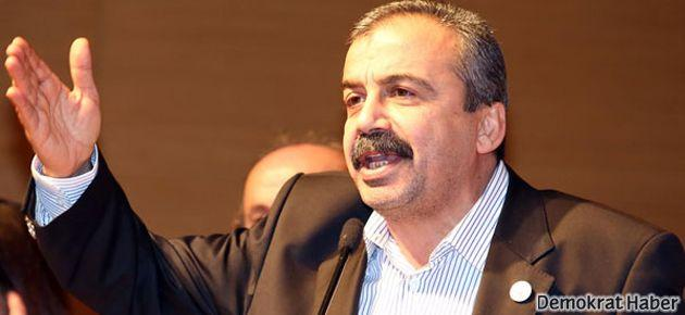 Önder'den Topbaş'a: Yerin hapishane olacak