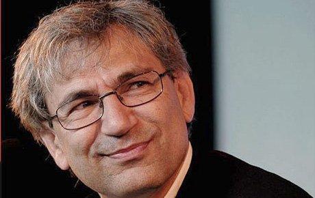 Orhan Pamuk: Roman propaganda yeri değil