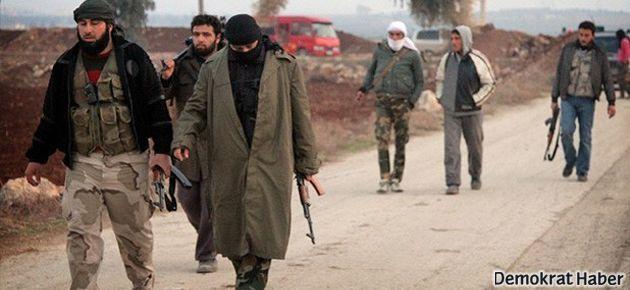 ÖSO militanları Türkiye'ye sığındı