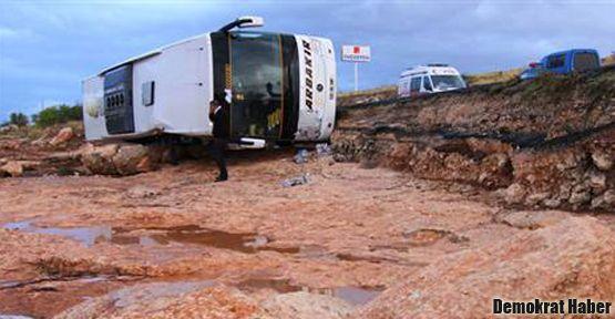 Otobüs sele kapıldı: 3 ölü