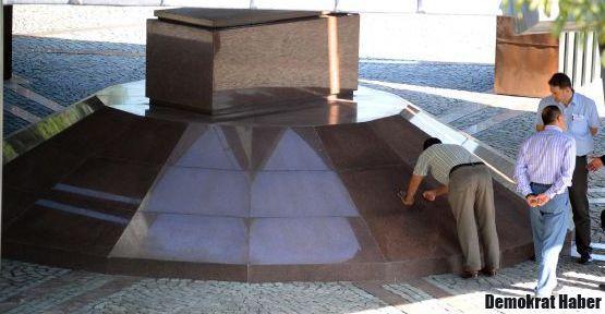Özal'ın mezarı inceleniyor!