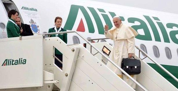 Papa Francis Ermeni Patriği'ni de ziyaret edip Türkiye'den ayrıldı
