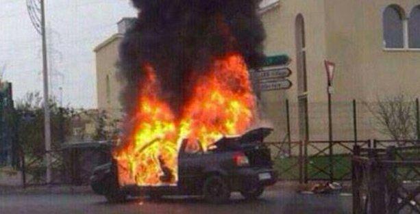 Paris'te Sinagog önünde patlama