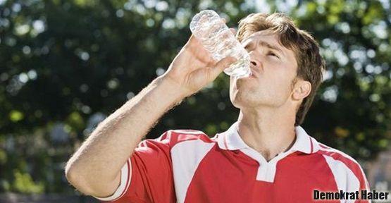 Pet şişedeki su zehirledi