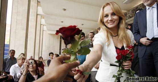 Pınar Aydınlar davasında karar çıktı