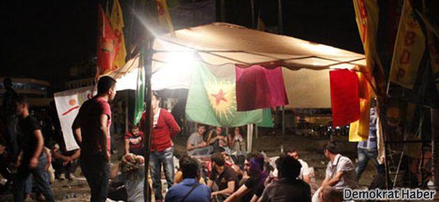 PKK bayrakları da Gezi Parkı'nda