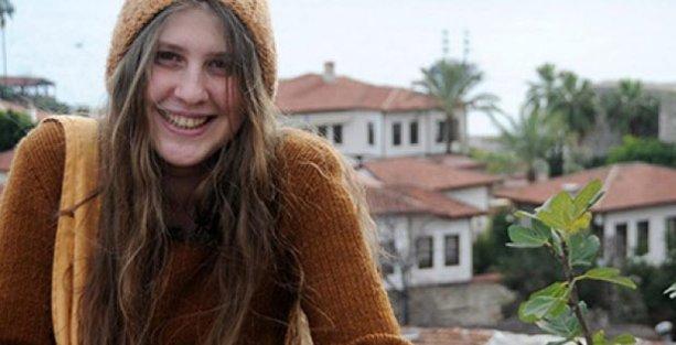 'Kırmızı Fularlı Kız': Yaşasın halkların kardeşliği diyorduk ancak sözümüzün eri olamıyorduk, bu beni Kürdistan'a itti