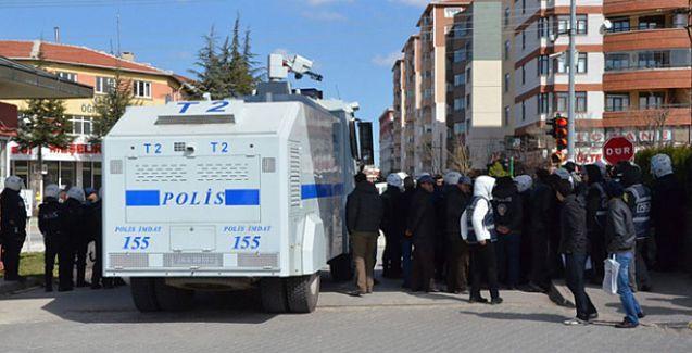 Polis 20 kişilik gruba TOMA'yla saldırdı!