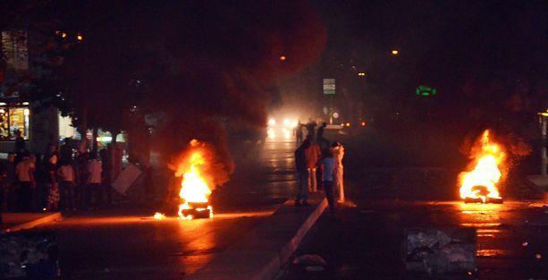 Polis araçları Gazi Mahallesi'nde Mehter Marşı'yla tur attı