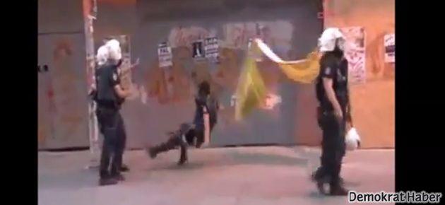 Polis, 'Gazdanadam' afişini indirmek isterken takla attı