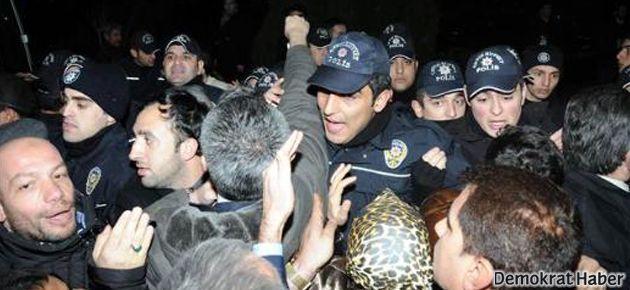 Polis ile AKP'liler arasında yumruklaşma