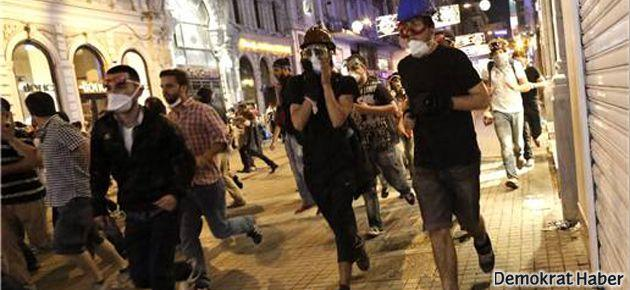 Polis, Radikal gazetesi muhabirini dövdü