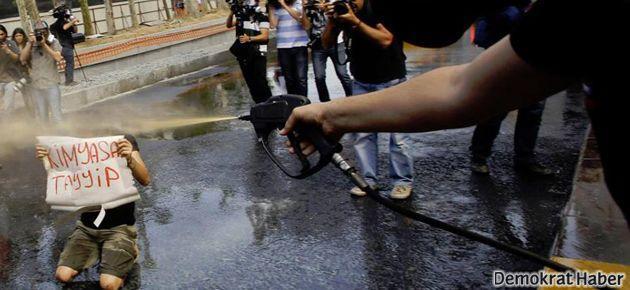 Polis saldırısında en az 100 yaralı
