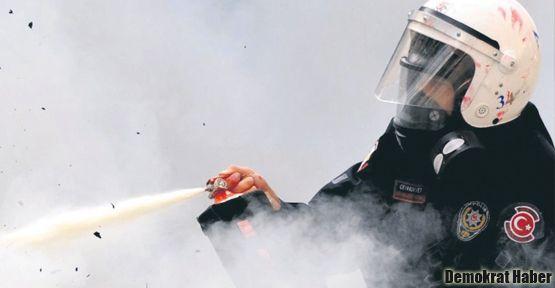 Polisin biber gazı komaya soktu
